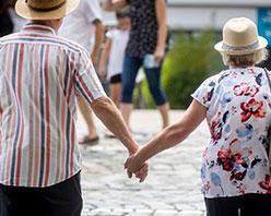 世卫组织:欧洲地区瑞士和卢森堡人预期寿命最高