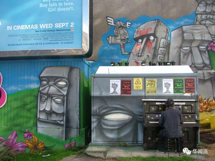 布里斯托的一架街头钢琴