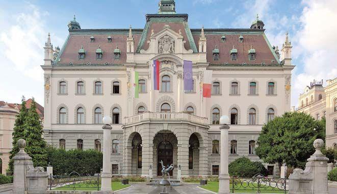 """可以免费读大学?而且这所大学还被评为""""欧洲最佳商学院""""之一"""