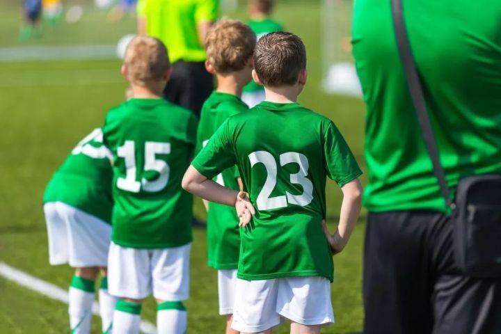 爱尔兰私校名额供不应求,学校纷纷祭出涨价大法,最高涨幅达到413欧元